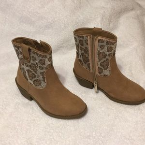 Michael Kors tan suede boots girls size 13